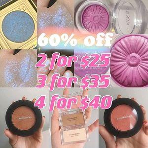 NEW Highlight blush contour kit